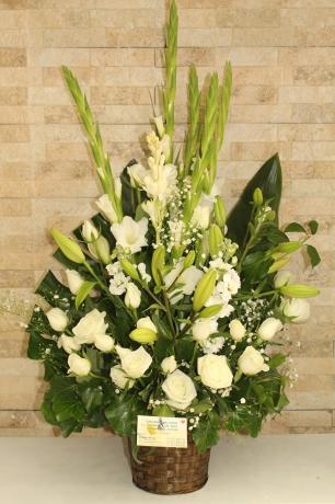 Beyaz Çiçek Aranjmanı
