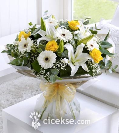 Sarı Beyaz Lilyum Gerbera Gül Buketi
