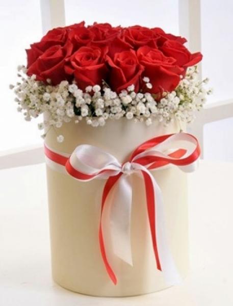 Kutuda Çiçek 21 Kırmızı Gül