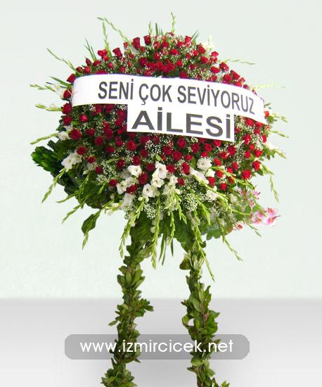 İzmir Çelenk Kırmızı Güllerden