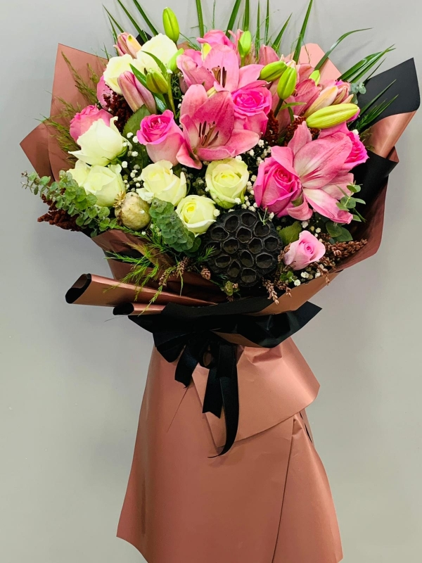 Pembe Ithal Çiçek Buketi