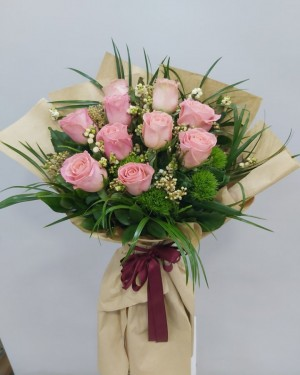 10 Adet İthal Güller,den Çiçek Buketi